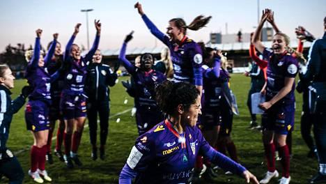 Åland United juhli seitsemän vuoden tauon jälkeen naisten jalkapallomestaruutta kaudella 2020.