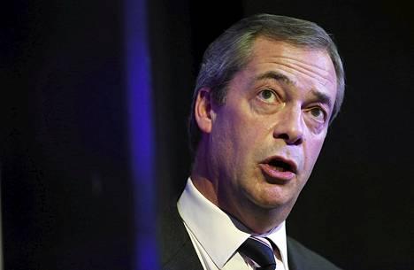 """Nigel Faragen johtamalla Ukipilla on nyt europarlamentissa kahdeksan paikkaa, perussuomalaisilla yksi. Pienen veljespuolueen läpimurto Suomen politiikassa on tehnyt Farageen kuitenkin vaikutuksen. """"Ihailen ja kunnioitan Timoa suuresti"""", Farage arvioi Soinia."""