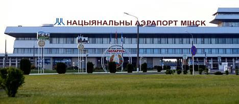 Minskin lentokentästä on tullut tärkeä solmukohta Ukrainan ja Venäjän väliä matkustaville.