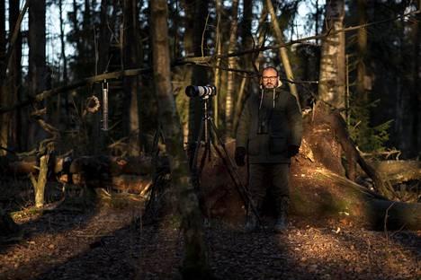 Mehmet Cadiroglu kuvasi Espoon lumetonta luontoa Suomenojan lintualtailla, mistä löytyi muun muassa talvehtiva punarinta. Leuto alkutalvi on saanut myös monet vesilinnut jäämään talveksi Suomeen.
