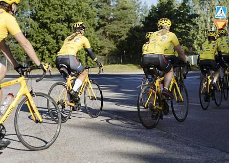 Team Rinkebyn matka Pariisiin vaihtui koronaviruksen vuoksi pyöräilyyn kotimaassa.