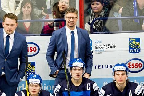 Päävalmenta Jukka Jalonen toivoi, että sairastuneet pelaajat olisivat pelikunnossa Kanadaa vastaan.