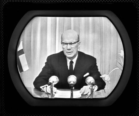 Urho Kekkosen uudenvuodenpuhe televisiossa vuonna 1958.