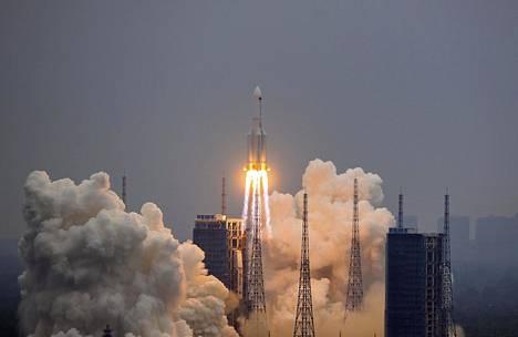 Pitkä marssi 5B -niminen raketti laukaistiin Hainan maakunnassa Etelä-Kiinassa 29. huhtikuuta.