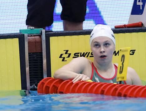 Laura Lahtinen paransi 200 metrin perhosuinnin Suomen ennätystä yli puolella sekunnilla.