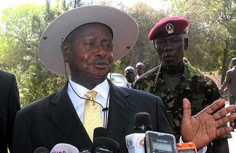 Ugandan presidentti Yoweri Museveni puhui tiedotustilaisuudessa Jubassa Etelä-Sudanissa joulukuussa 2013.