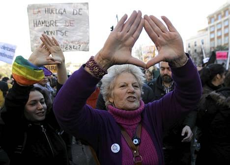 Moni mielenosoittaja piti uskomattomana sitä, että he joutuvat jälleen kadulle puolustamaan asiaa, jonka ovat jo kerran voittaneet.
