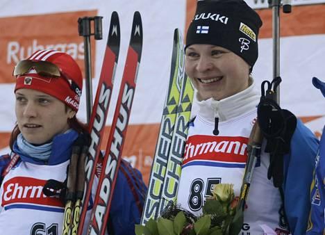 Kaisa Varis (oik.) voitti 11. tammikuuta 2008 Ruhpoldingissa 7,5 kilometrin sprinttikisan. Svetlana Sleptova tuli toiseksi.