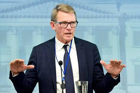 Valtiovarainministeri Matti Vanhanen (kesk) kertoi budjettiehdotuksestaan tiedotustilaisuudessa keskiviikkona.