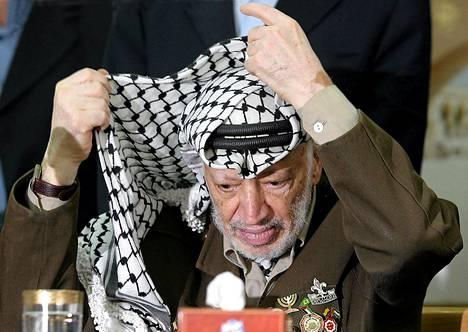 Jasser Arafat Ramallahissa 2004.