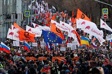 Mielenosoitus kulki Moskovan keskustan Bulevardikehää.