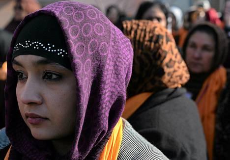 Afganistanilaisnaiset osoittivat mieltä naisiin kohdistuvaa väkivaltaa vastaan Kabulissa viime torstaina.