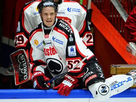 Ville Uusitalo sai todistaa kaksi erää joukkueensa taaperrusta. Päätöserä oli pirteä, mutta HIFK kesti.