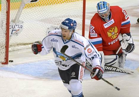 Oskar Osala onnistui maalinteossa Venäjää vastaan Karjala-turnauksessa.