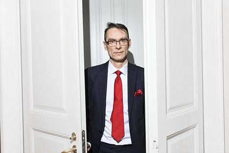 Oikeuskansleri Tuomas Pöystin mukaan on oltava erityisen tarkka siitä, että lainsäätäjät eli kansanedustajat ilmoittavat jäsenyytensä tukia saavien yhteisöjen johdossa.