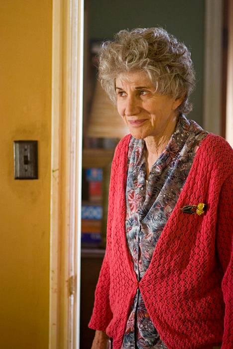 Olympia Dukakis oli mukana vuonna 2007 romanttisessa komediassa In The Land of Women.