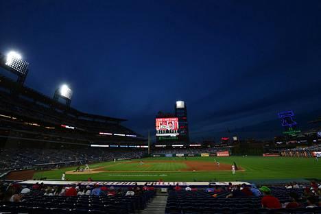 Citizens Bank Park -areenan katsojat näkivät mainion kopin ottelussa Metsiä vastaan.