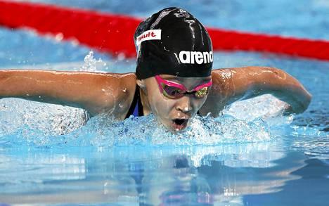 Bahrainin Alzain Tareq osallistui perjantaina naisten 50 metrin perhosuinnin alkueriiin Kazanissa käytävissä MM-kisoissa.