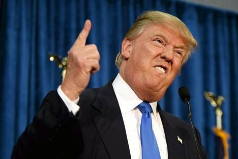 Yhdysvaltojen Diili-ohjelmastakin tuttu kiinteistö- ja mediamoguli Donald Trump teki ohjelmasta tutun youre fired -eleen New Hampshiressa kesäkuun 17. päivänä.