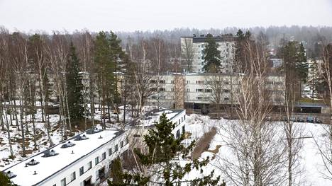 Lähderannassa asuu yli tuhat asukasta. Se tekee siitä yhden Suomen suurimmista taloyhtiöistä.