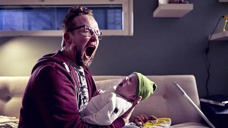 Yösyöttö-komedian pääosaa esittää Petteri Summanen.