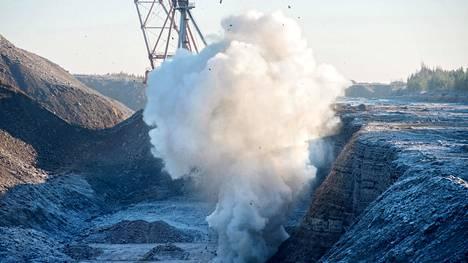 Viro on tuottanut valtaosan sähköstään maan uumenista louhitulla öljyliuskeella, joka on kivihiiltäkin suuripäästöisempi fossiilinen polttoaine. Nyt edessä on valtava energiamurros.