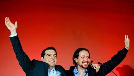 Espanjan vasemmistolaisen Podemos-puolueen Pablo Iglesias (oik.) kävi antamassa tukensa Kreikan vasemmistolaisen Syriza-puolueen Alexis Tsiprasille ennen Kreikan vaaleja viime torstaina