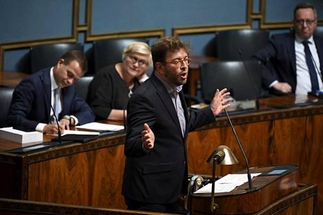 Sdp:n kansanedustaja Timo Harakka puhui eduskunnan täysistunnossa kesäkuussa 2018.