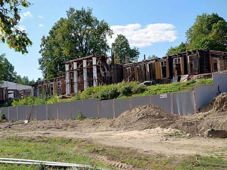 Monrepos'n puiston päärakennus kuvattuna elokuun 18. päivänä.