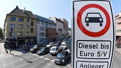 Hampuri on yksi niistä saksalaisista kaupungeista, jotka ovat rajoittaneet dieselautojen käyttöä keskustassa.