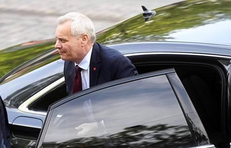 Hallitusneuvotteluja vetävä SDP:n puheenjohtaja Antti Rinne saapui neuvotteluihin Säätytalolle Helsingissä torstaitaiaamuna.
