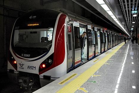 Euroopan ja Aasian yhdistävä junatunneli avattiin eilen Istanbulissa Turkissa.