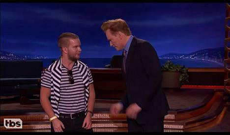 Sami Huhtala pääsi tiistaina Conan O'Brienin vitsien kohteeksi.