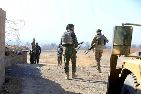 Irakilaiset sotilaat olivat operaatiossa Isisiä vastaan Al-Qasarissa, lähellä Mosulia tiistaina.