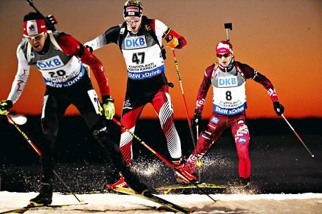 Kontiolahden radan haastavinta kohtaa sanotaan Seinänousuksi. Kuvassa sen päälle ovat juuri taistelleet Tsukasa Kobonoki (vas.), Dominik Landertinger ja Andrejs Rastorgujevs.