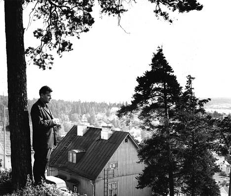 Lauri Viita syntyi ja varttui Tampereen Pispalassa, jonne myös hänen tärkein romaaninsa Moreeni sijoittuu.