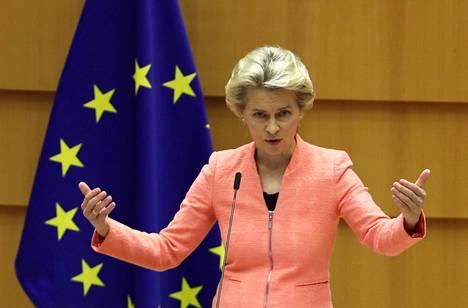 Komission puheenjohtaja Ursula von der Leyen puhui keskiviikkona Euroopan parlamentissa.