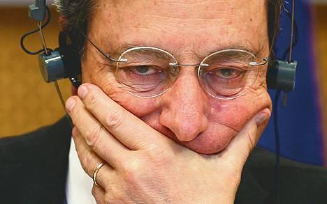 EKP:n pääjohtaja Mario Draghi on tiukan paikan edessä.<BR/>