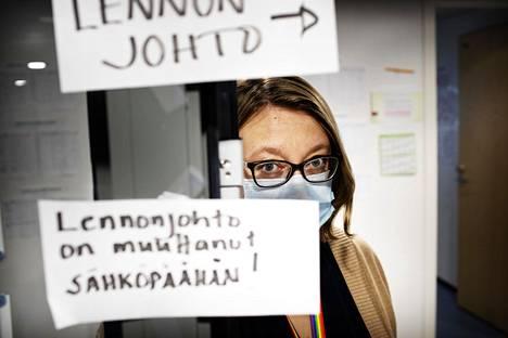 Epidemiologisen toiminnan ylilääkärin Sanna Isosompin mukaan vapaaehtoisia jäljittäjiä on rekrytoitu muun muassa Suomen Punaisen Ristin kautta.