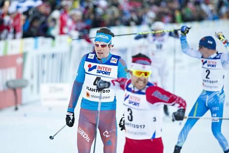 Matti Heikkinen juhli MM-kisojen päätösmatkalla pronssimitalia. 50 kilometrin MM-kultaa voitti Kanadan Alex Harvey, toiseksi tuli Venäjän Sergei Ustjugov.