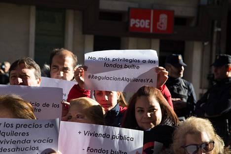 Mielenosoittajat vaativat kohtuullisia vuokria Madridissa viime tammikuussa.