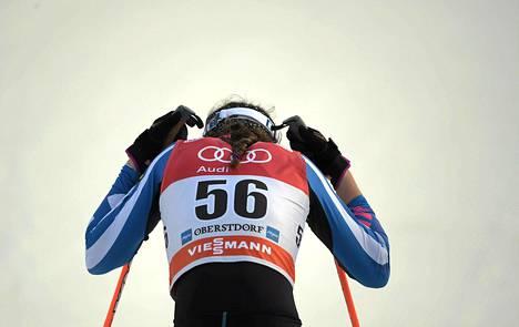 Kerttu Niskanen keskeytti Tourin sunnuntaina sairastumisen takia. Jos hän olisi pystynyt jatkamaan Touria terveenä ja omalla tasollaan, hänen ulottuvillaan olisi ollut korkeintaan neljäs sija.