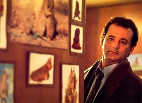 Bill Murray elokuvan Päiväni murmelina pääosassa tv-meteorologi Phil Connorsina.