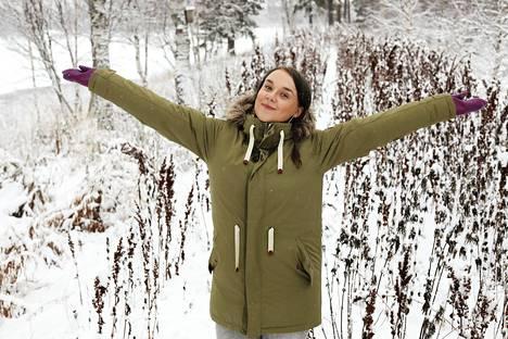 Kolttasaamelainen toimittaja Sara Wesslin on valittu ainoanan suomalaisena BBC:n vaikutusvaltaisimpien naisten listalle. Hänet kuvattiin kotimaisemissa Ivalossa.