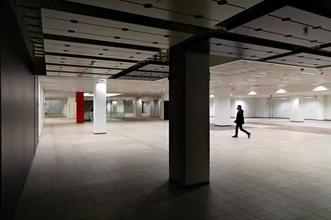 Kaisaniemenkatu 5:n liiketilat ovat olleet tyhjillään Anttilan konkurssista lähtien. Tiloissa toimi aiemmin Kodin Ykkönen.