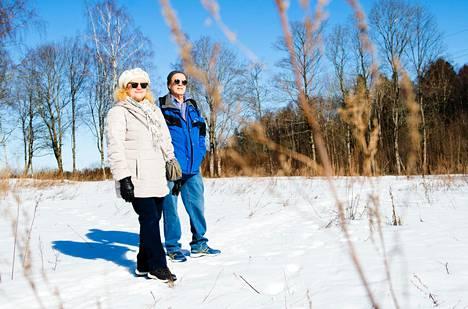 Tälle pellolle Heurlinintien varteen rakennetaan Merja ja Jyrki Kujalan perheen uudet siirtolapuutarhamökit.