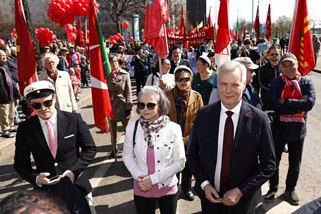 SDP:n puheenjohtaja Antti Rinne osallistui työväen vappujuhliin Hakaniemessä ja pitää puheen Rautatientorilla.