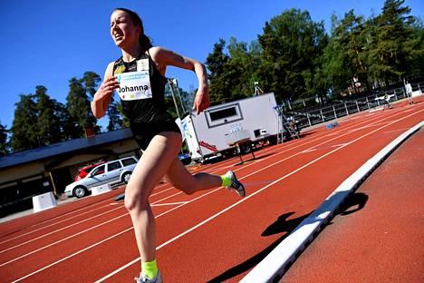 Johanna Peiponen voitti erityisluvalla kisatun kutsukisan Vantaalla.
