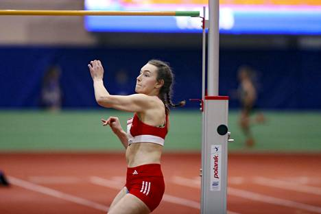 Tampereen Pyrinnön Ella Junnila voitti naisten korkeushypyn yleisurheilun SM-hallikilpailuissa viime viikonloppuna.