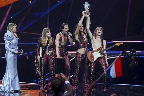 Italian Måneskin voitti vuoden 2021 Euroviisut italiankielisellä rockilla.